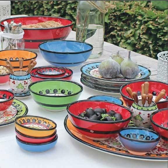 farbenfrohe keramik teller schalen