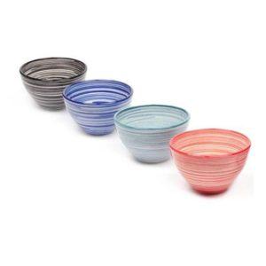 keramikschale mit Linienmuster aus spanien